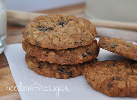 chewy oat, almond and currant cookies | Cupcakes, Cookies, & Candies ...