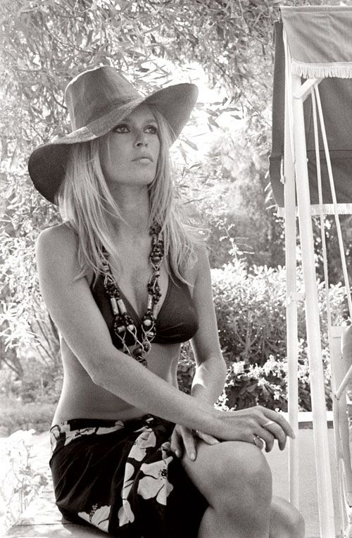 Brigitte Bardot | chapeau | bikini babe | hollywood starlet | iconic actress | blonde bombshell | natural beauty | bohemian | boho