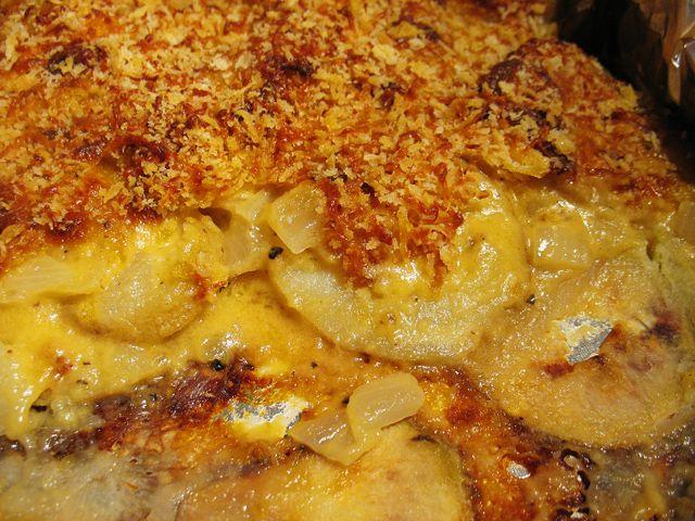 Potato au gratin! AMAZING recipe! Super easy too :)