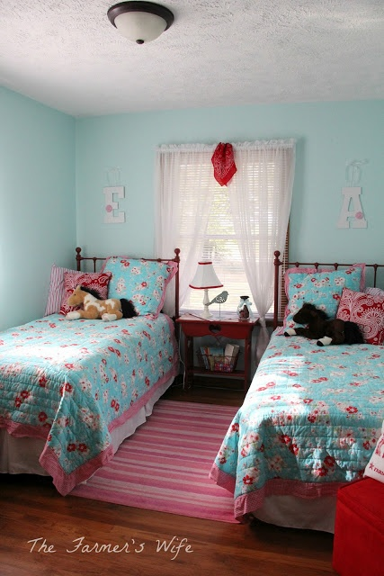 "Super cute turquoise and red ""Country style"" kids' bedroom makeover - but with good ideas for adults, too!"