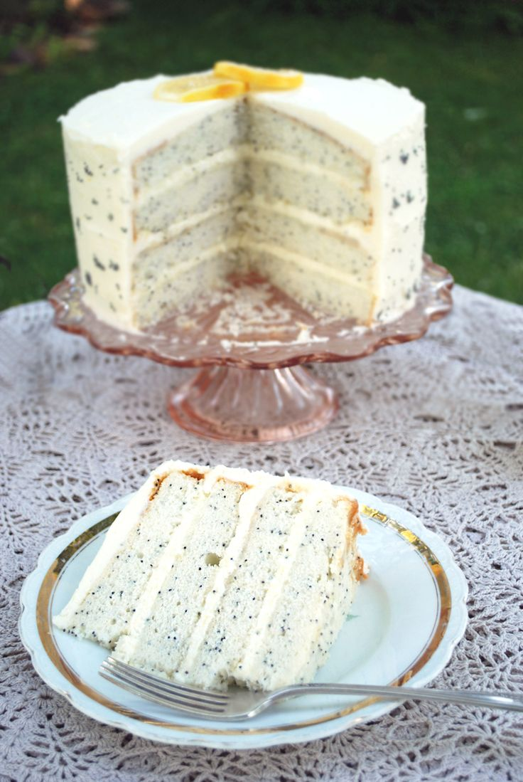 Mmm... lemon poppyseed cake and Sutter Home Moscato—delicious!