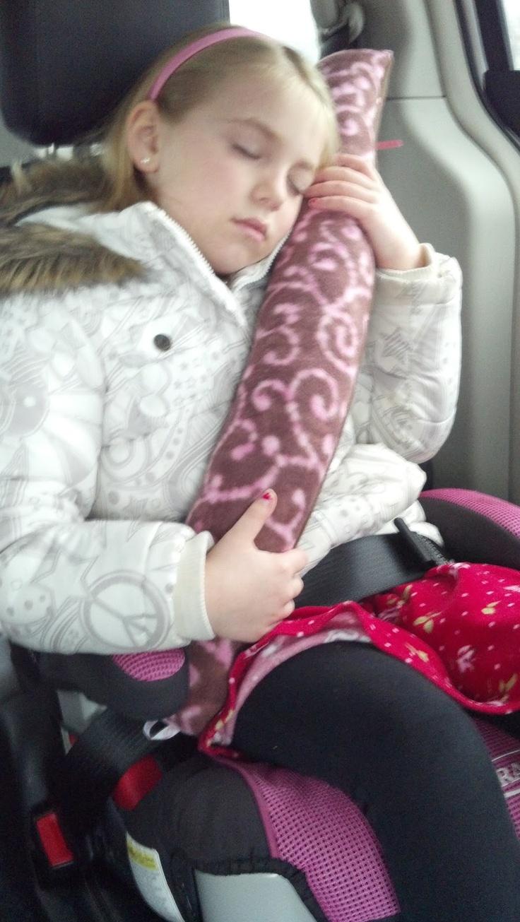 DIY Travel Seat Belt Pillow For Kids-Tutorial!