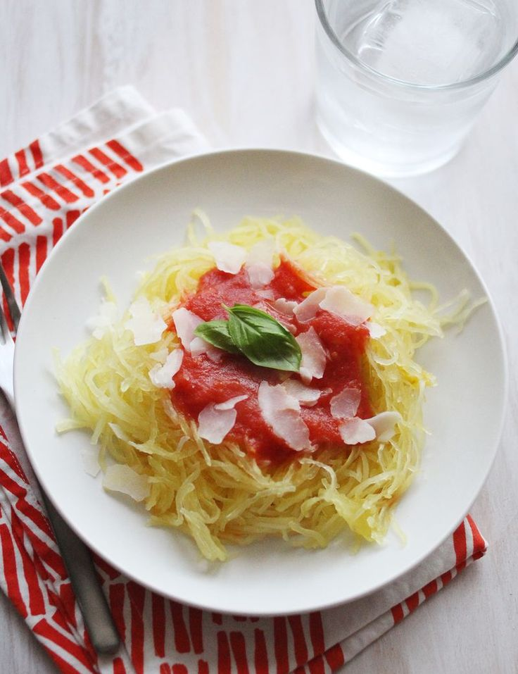 SPAGHETTI SQUASH WITH EASY TOMATO SAUCE | Yum: Healthy Main Dishes ...