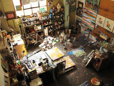 Art studio = happiness. What I would give to have one!