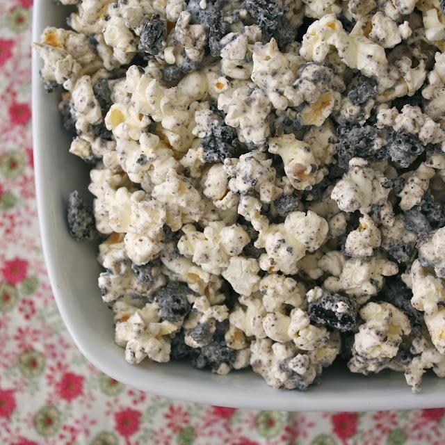 Cookies and Cream Popcorn | MMM desserts!! | Pinterest