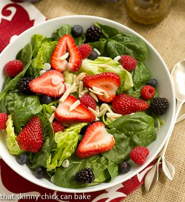 Spinach_Berry_Salad (2) http://thatskinnychickcanbake