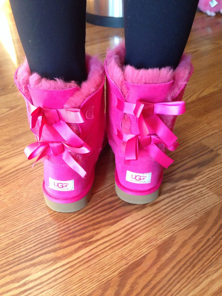 pink uggs bailey bow