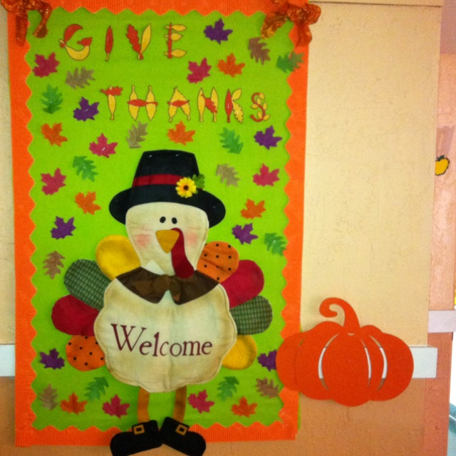 Classroom Door Decoration Ideas November : Thanksgiving bulletin board preschool door decorating