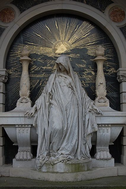 eye of providence, sun worship, sacred triangle, esoteric, esotericism, masonic,