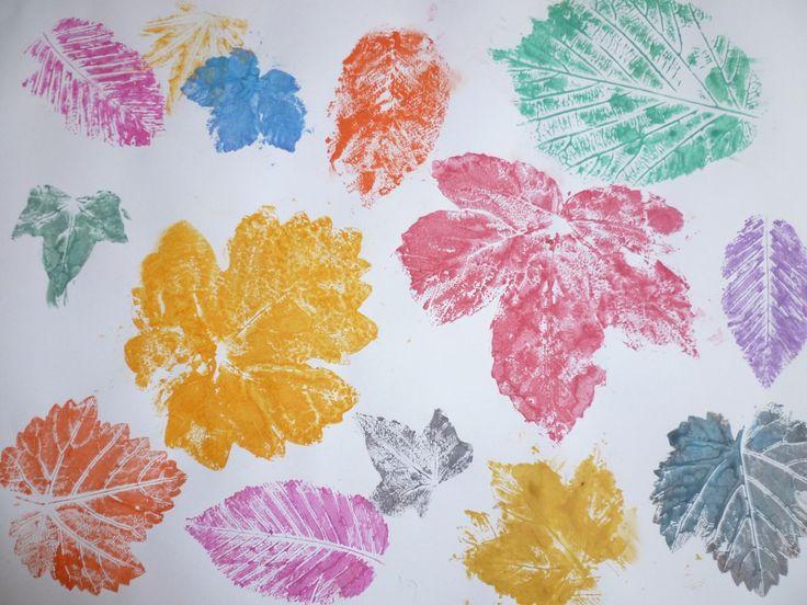 Kinder basteln im Herbst Bunte Blätter  Kinder  Basteln