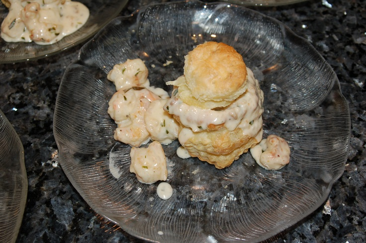 Pastry shells with fresh Florida gulf scallops & shrimp in a tarragon ...