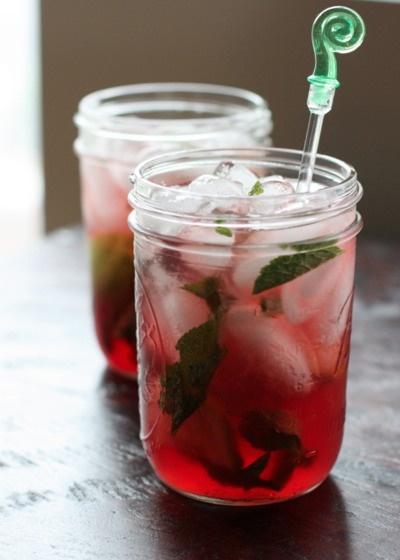 Summer Drinks:: POMEGRANATE MOJITO Ingredients: - 2 tbsp. sugar - 1 ...