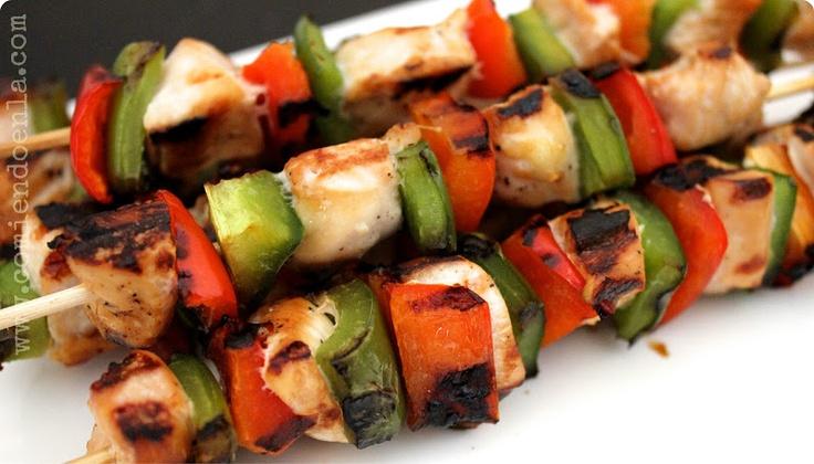 Pin by latina bloggers connect on recipes with kikkoman - Como preparar pinchos de pollo ...