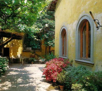 Tuscan courtyard virtual tuscan home pinterest for Tuscan courtyard landscaping