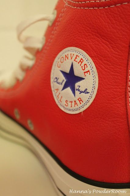 Red Converse Hanna's PowderRoom Blog