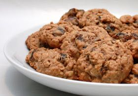 APPLE A DAY: Oatmeal, Date, and Walnut Spice Cookies