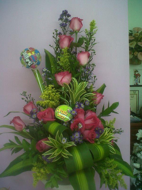 Arreglo sencillo arreglos florales pinterest for Arreglos de rosas sencillos