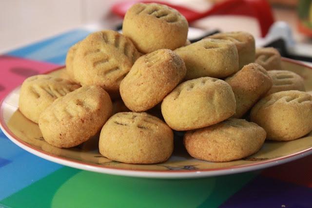 Semolina cookies with date Maamoul - Taste of Beirut