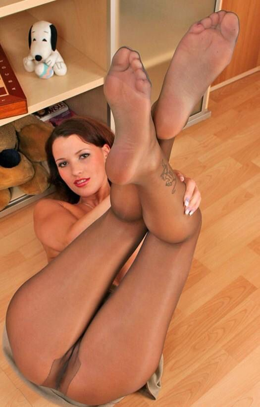 Feet In Pantyhose Hot Xxx