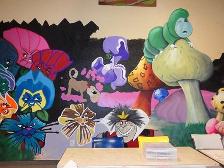 alice in wonderland mural painted wall murals pinterest. Black Bedroom Furniture Sets. Home Design Ideas