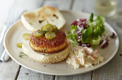 Sesame salmon and dill burgers | Recipe