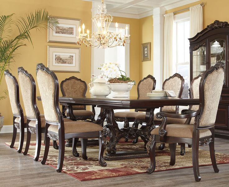 Pin by vanessa allman on beautiful homes decore pinterest for Traditional formal dining room