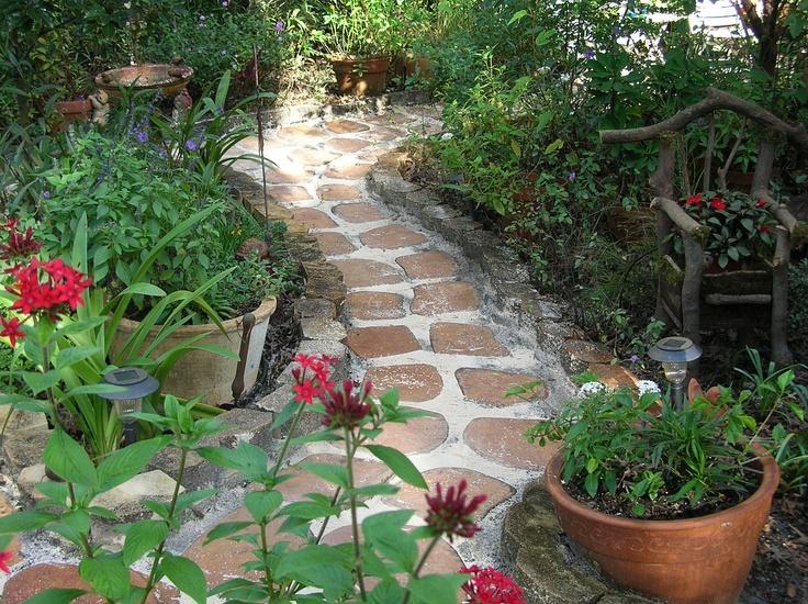 Easy Do It Yourself Garden Pathway In The Garden 640 x 480