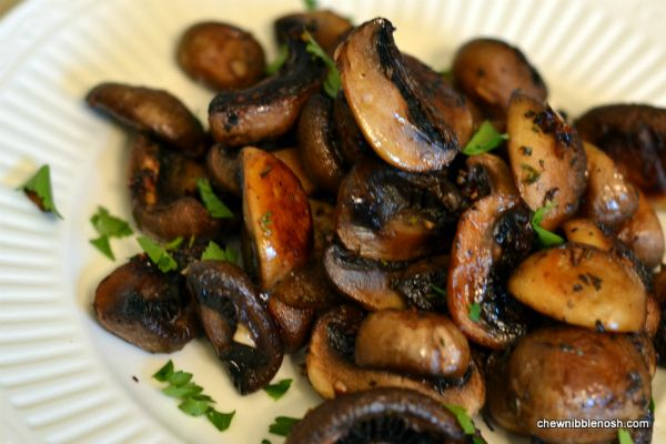 Roasted Mushrooms with Balsamic, Garlic and Thyme - Chew Nibble Nosh