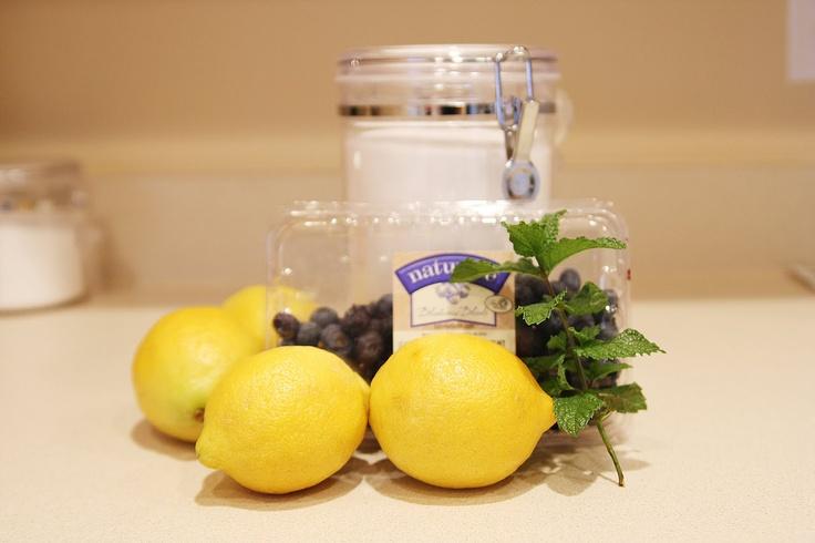 Mama.Mommy.Mom.: Blueberry Mint Lemonade | Food! Yum! | Pinterest