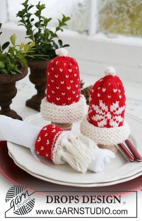 """DROPS eierwarmers en servetring met Kerst patroon van """"Karisma"""". ~ DROPS Design"""