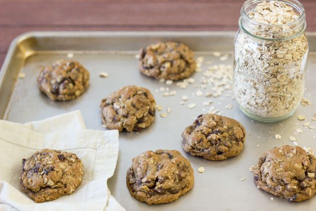 Oatmeal Raisin Cookies (Super thick & chewy)
