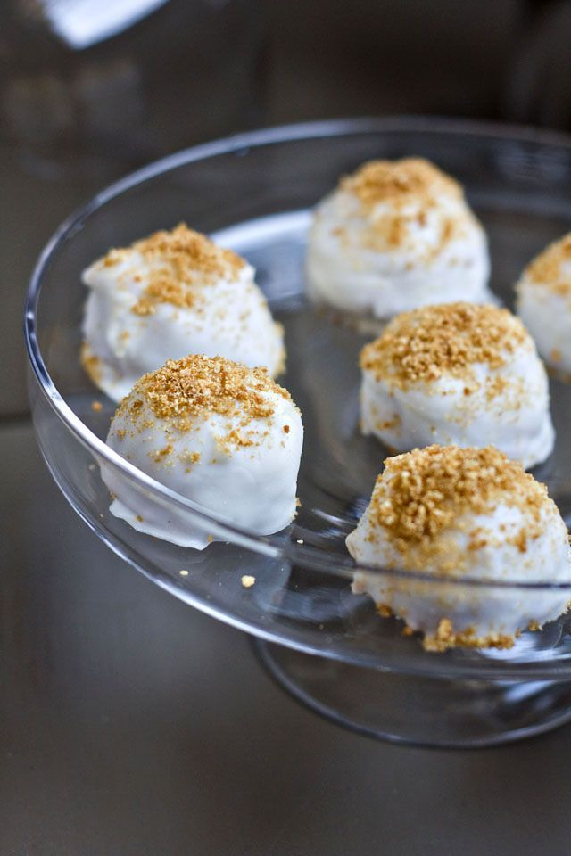 know some peeps who would love Pumpkin Cream Cheese Truffles!!
