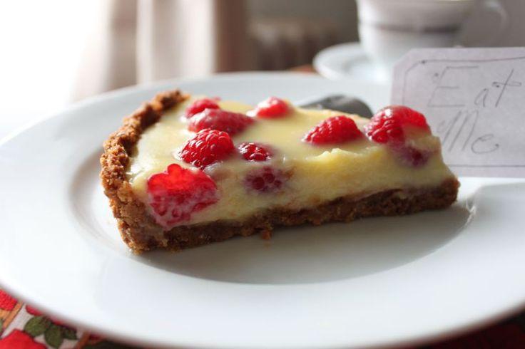 White chocolate raspberry tart | Yum. | Pinterest