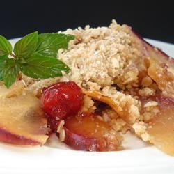 Hawaiian Fruit Crumble - Tasty combo of apples, pineapple, and cinnamon.
