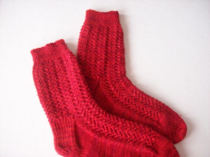 Knitting Wool And Patterns : Easy Lacy Socks Pattern My knitting patterns Pinterest