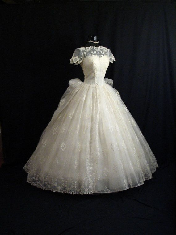 Vintage 1950's wedding dress | Anya | Pinterest