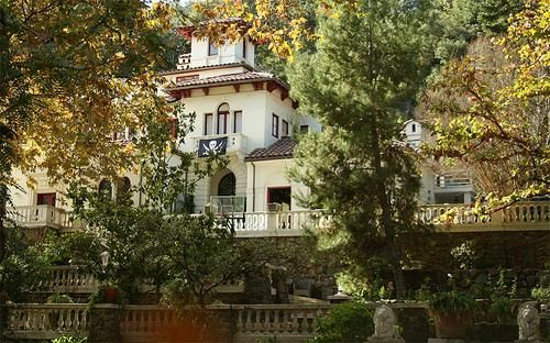 the houdini mansion on laurel canyon los angeles pinterest