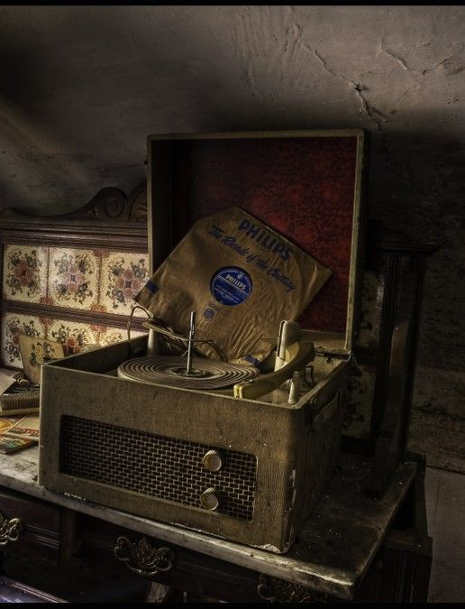 Old record player inside abandoned home granny 39 s attic for Classic house records