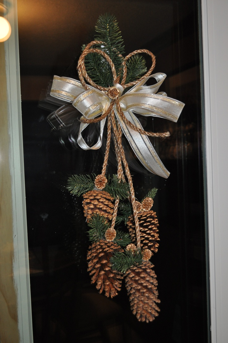 Gold pine cone door decoration holidays ideas crafts for Pine cone door decoration