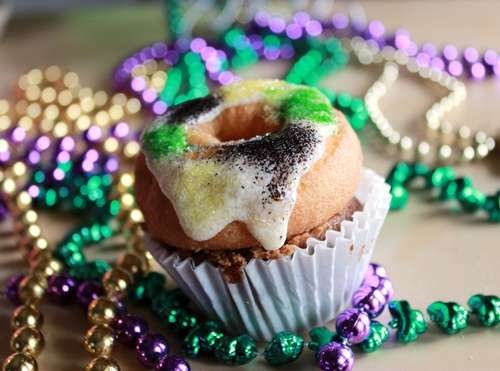 "... Cupcake Mardi Gras Mini ""King Cake"" Cupcakes"
