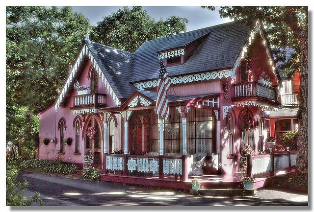 Pink gingerbread cottage exterior appeal pinterest for Gingerbread cottages of oak bluffs