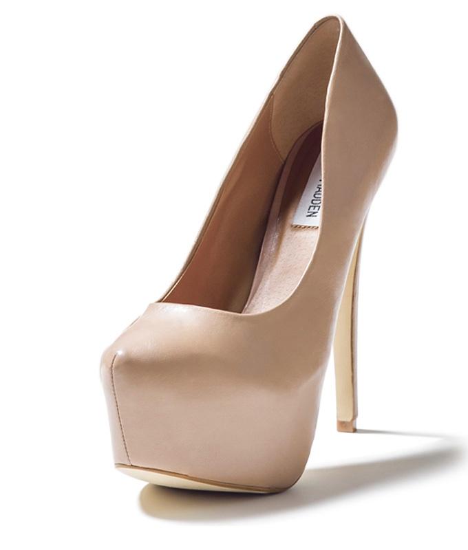 5860907207f Steve Madden Dejavu ~ Gold Sandals