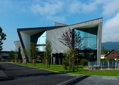 Modern office building design club pinterest for Contemporary office building design