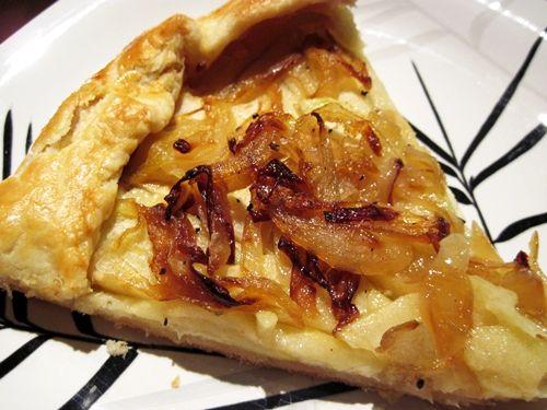 apple onion cheddar tart   Savory   Pinterest
