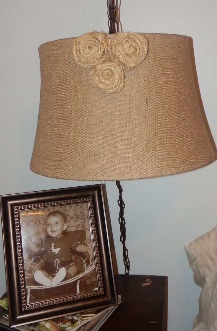 Easy way to make a burlap lamp arts and crafts for Crafts to make with burlap