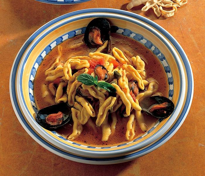 Capunti And Mussels In A Tomato Saffron Broth : La Cucina Italiana