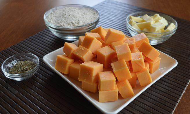 """Recipe: Whole Wheat """"Goldfish"""" Cheese Crackers 