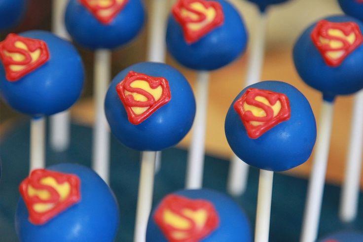 superman-cakepops.jpg (800×534)