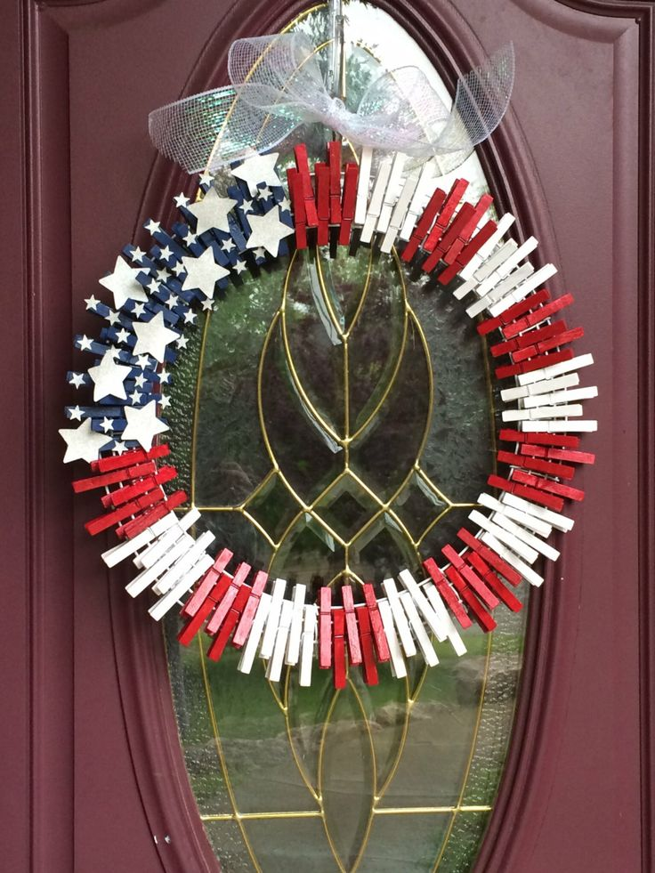 Patriotic rustic clothespin wreath for Close pin crafts
