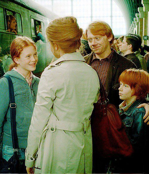Hermione, Ron and children | Harry-Potter-itis | Pinterest